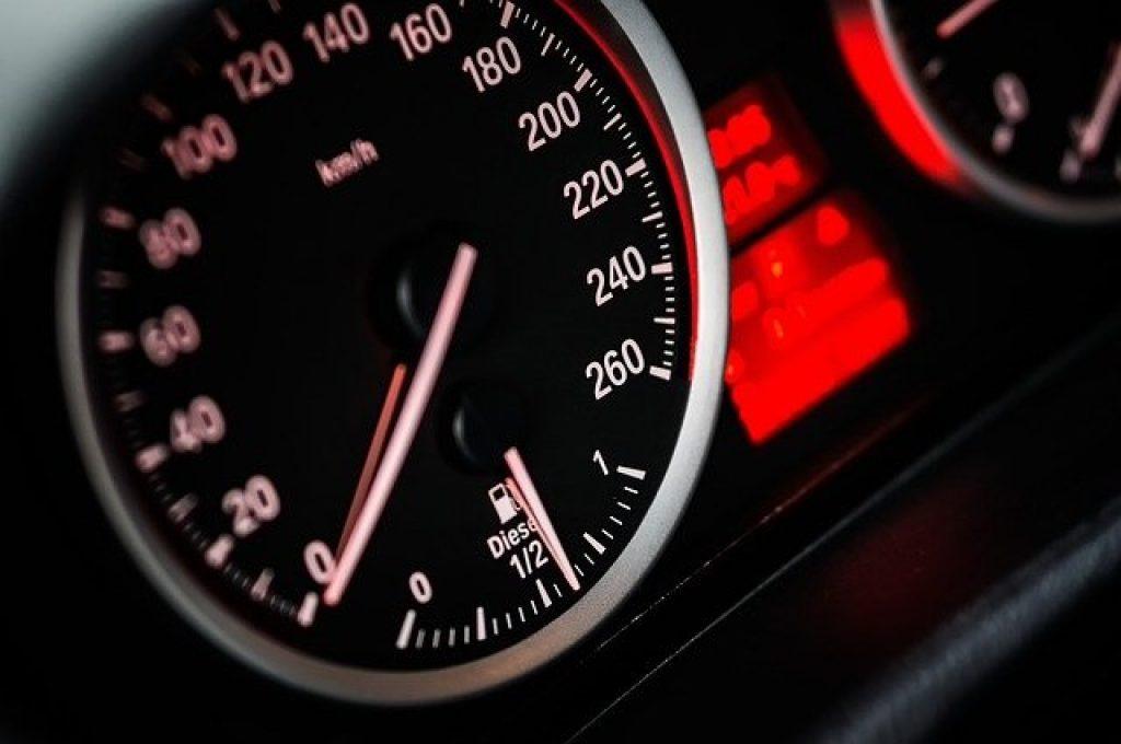 speedometer 1249610 640